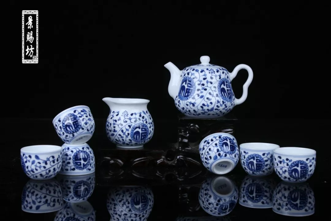 How does the porcelain and ceramics handicraft product maintain?